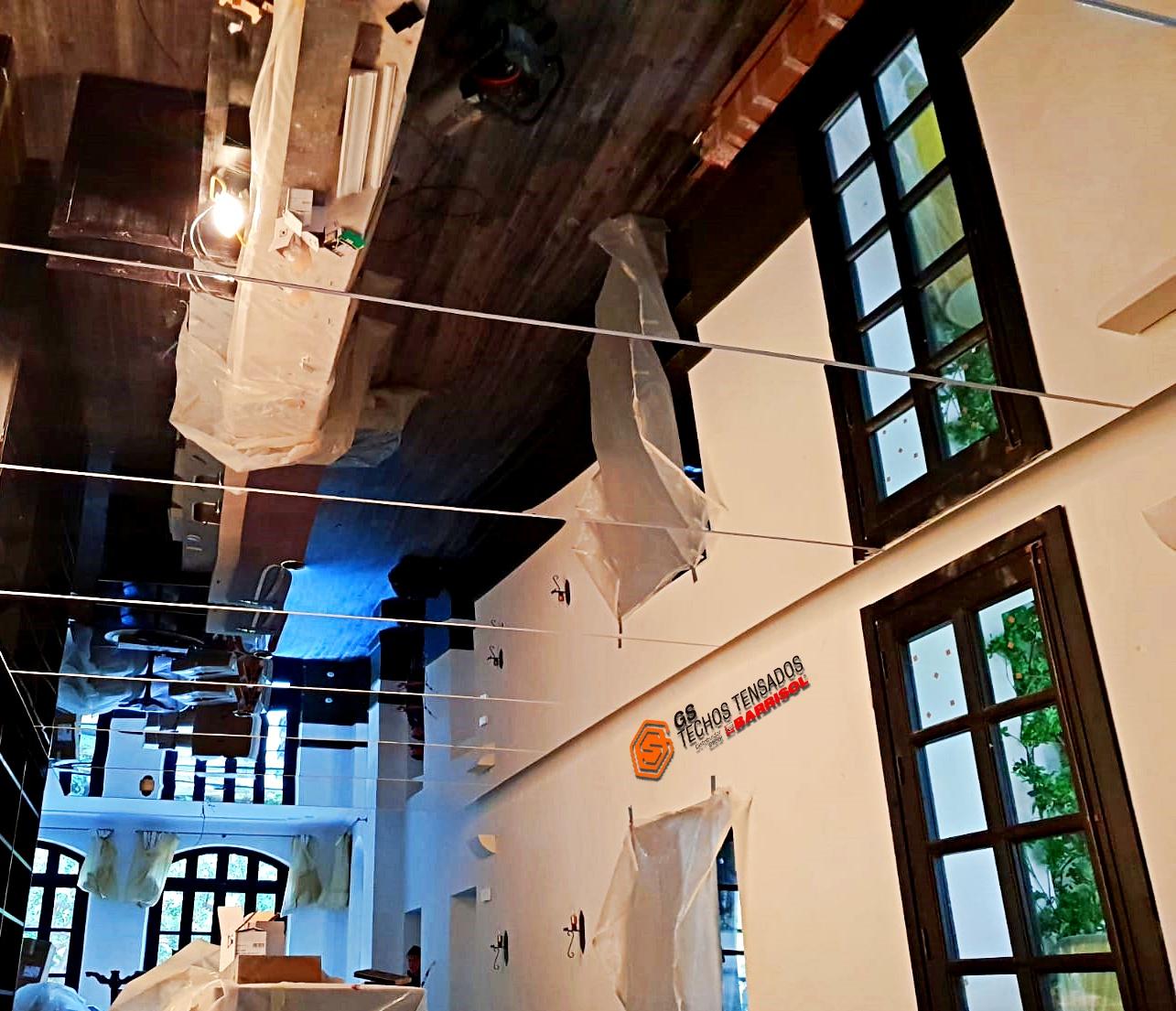 Techo Tensado Barrisol Mirror recepción en hotel de Mallorca