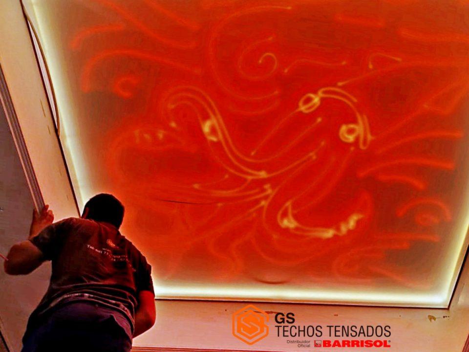 Innovar con Tela Tensada: Calamar realizado con Led y telas translúcida Barrisol
