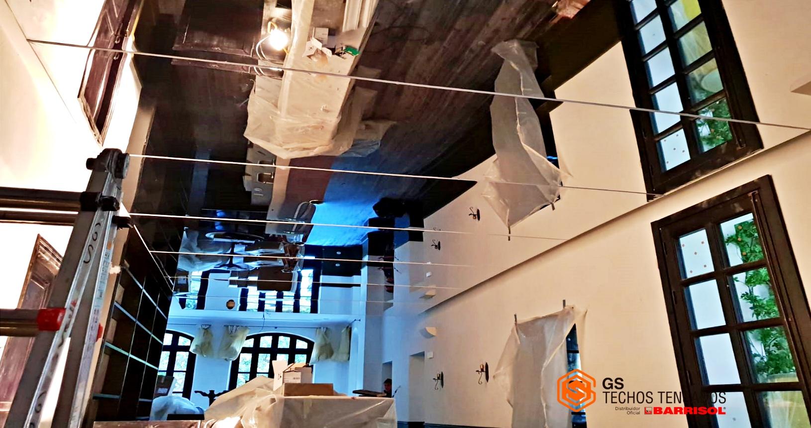 El reflejo de las telas tensadas Barrisol en Techo de hotel de Palma de Mallorca